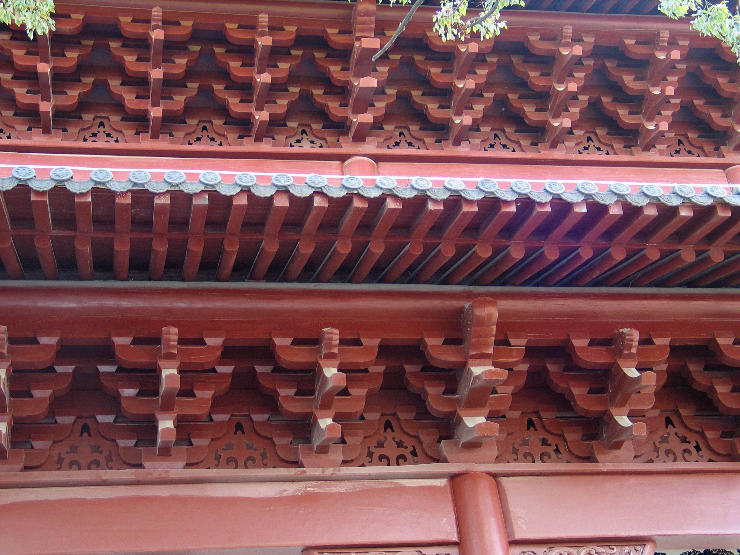仿古装饰构件和线条提升古建筑的品级
